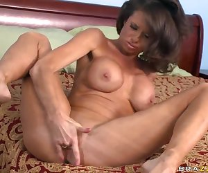 Veronica Avluv is a hot mommy missing hard dick for quite a while, so she is used to enjoy some self fuck from time to time. But nothing can compare with a real big erected meat...